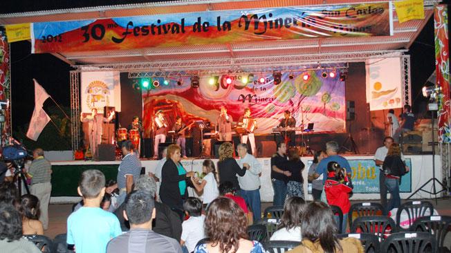 FESTIVAL. Las fiestas de cada pueblo son aguardadas todo el año y estallan en los corazones (Gentileza Rómulo Frasno).