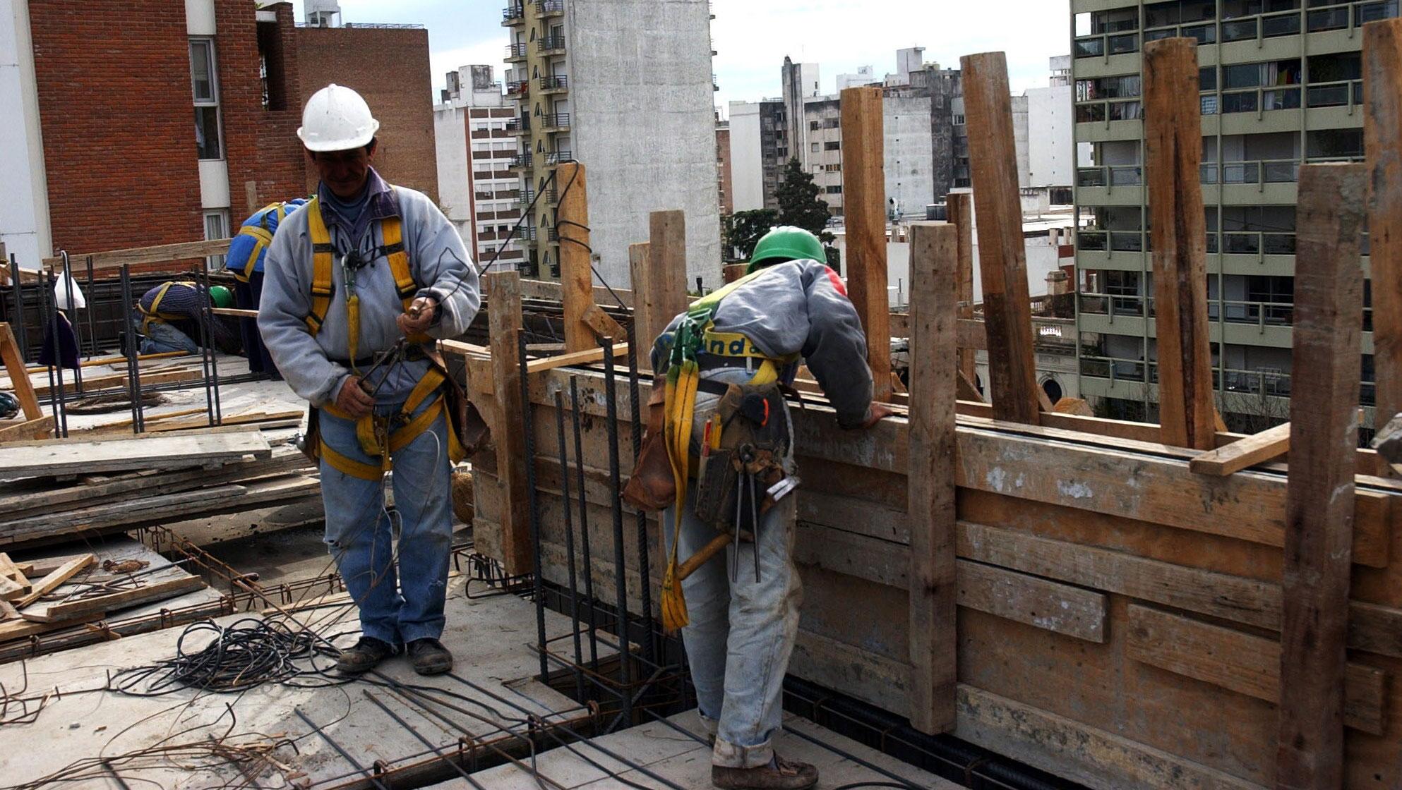 Estudio urbano. El número de desempleados en las ciudades se redujo en 2011 en unas 700 mil personas (La Voz/Archivo).
