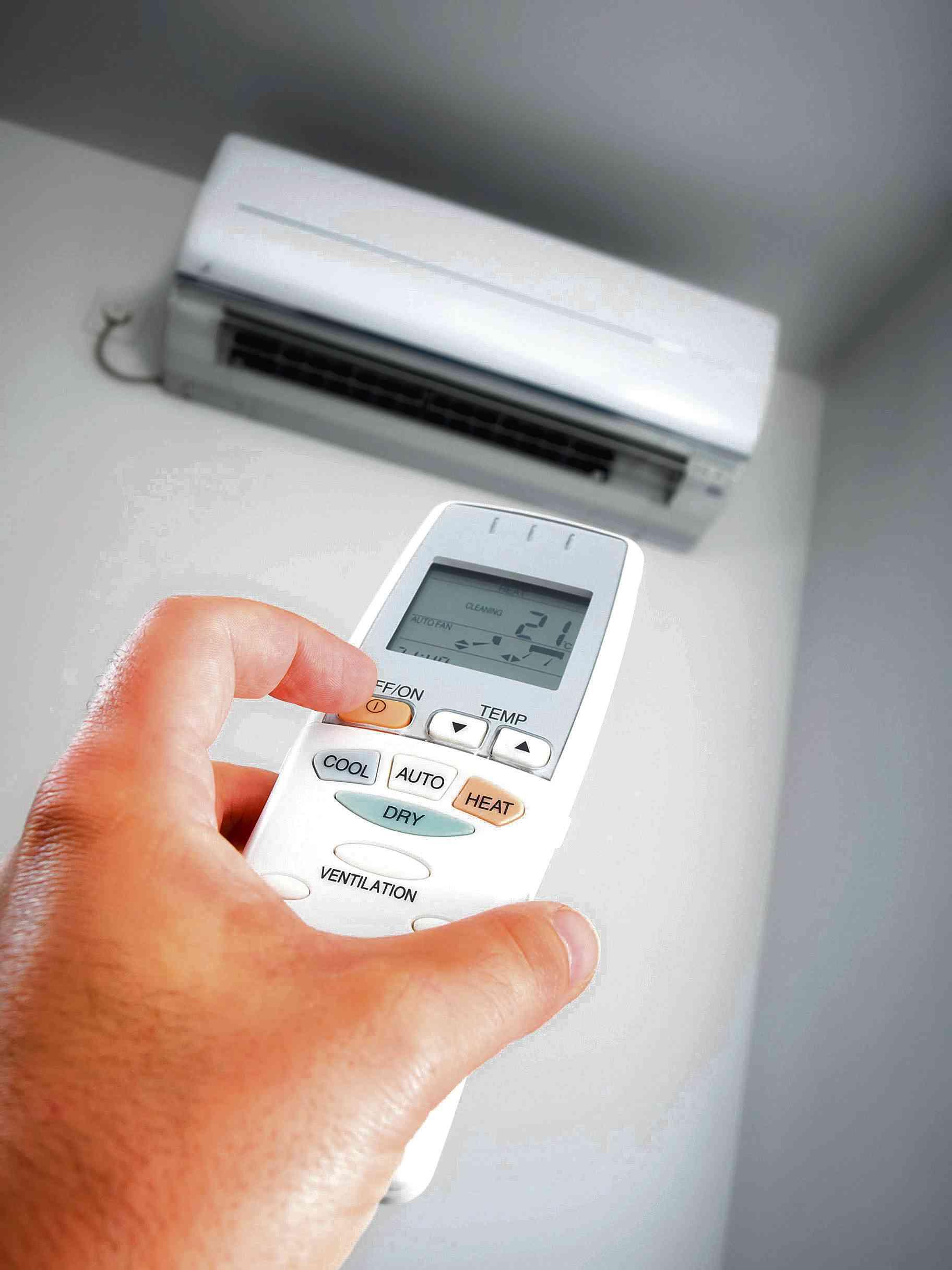 Aires acondicionados verano bajo control la voz del for Consumo de aire acondicionado