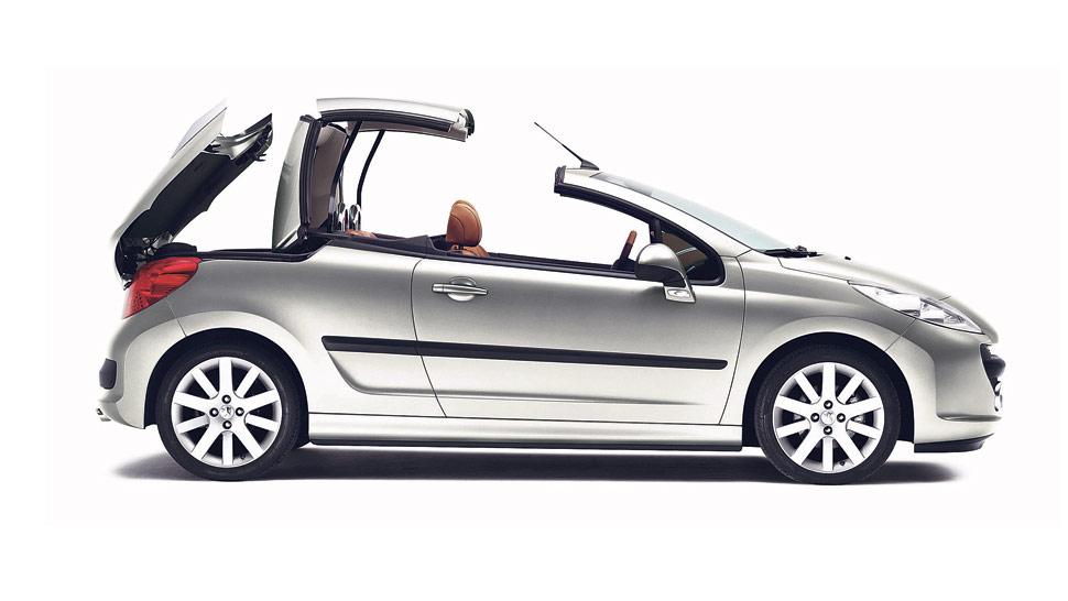 El 207 CC es uno de los modelos descapotables de la marca Peugeot, junto al 308 CC. Precio: desde $ 202.000.