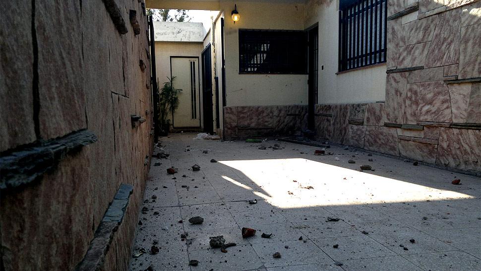 ATAQUE. La casa del sospechoso sufrió daños (La Voz/Raimundo Viñuelas).