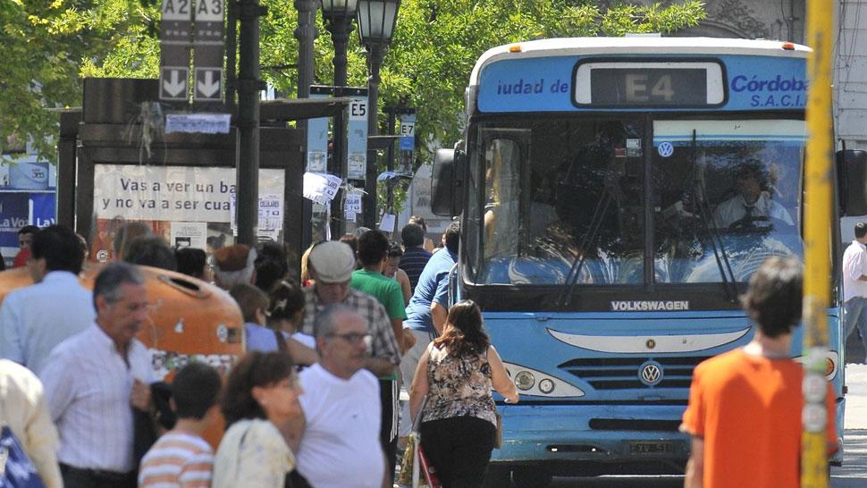 70 centavos más. El boleto saltará de 2,50 a 3,20. Las empresas ya no tendrán subsidio municipal (Sergio Ortega/La Voz).