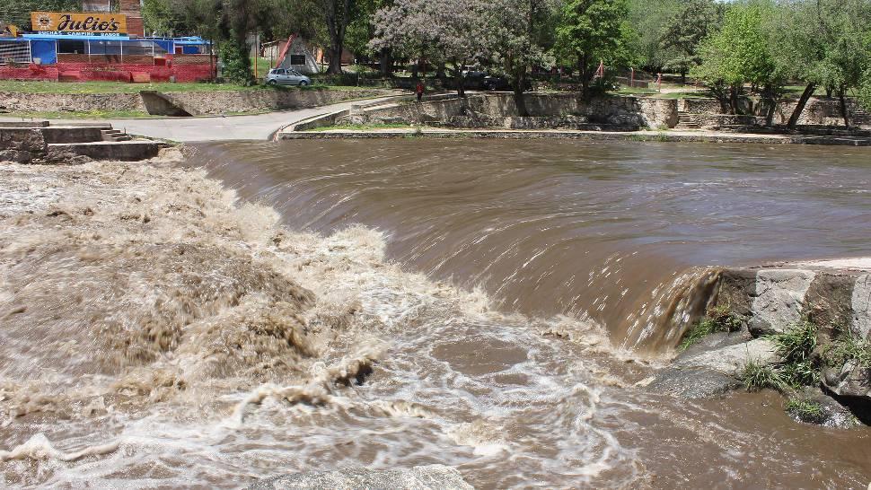CRECIENTE. Se espera pasado el mediodía en el río San Antonio (LaVoz/Archivo).