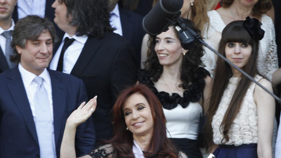 Florencia Kirchner Embarazada: En Las Redes Sociales Felicitan A La Presidenta Por Su