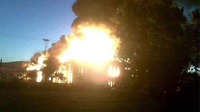 INCENDIO. El fuego en Totoral (Imagen subida a Twitter por @ezev28).