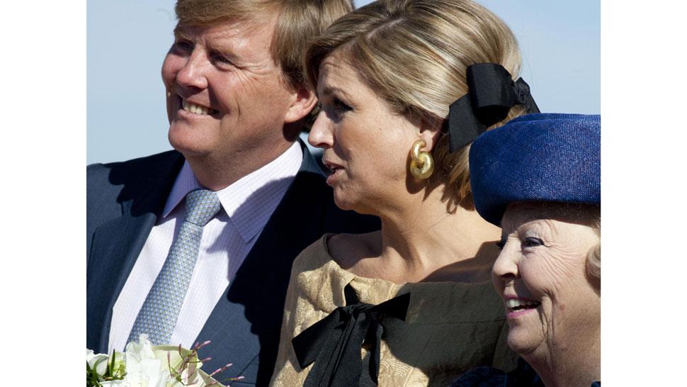 Relevo. Beatriz deja su trono a Guillermo, en un traspaso que se hará el 30 de abril y que convertirá en reina consorte a la argentina Máxima Zorreguieta, actual princesa (AP).