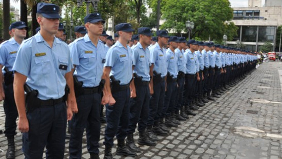 Fiestas suman 300 polic as m s al centro de c rdoba la for Lavoz del interior cordoba