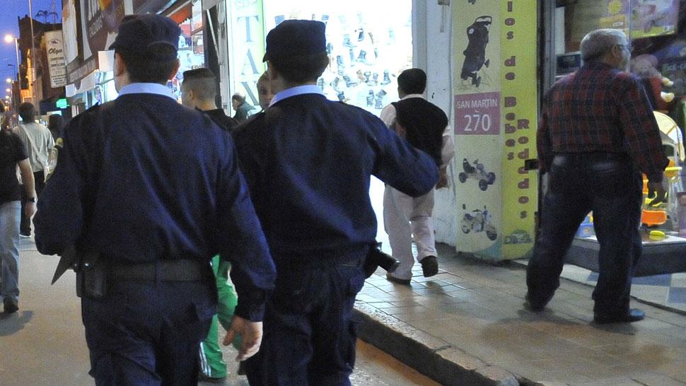 DETENIDOS. Tres policías fueron apresados por presuntas vinculaciones con el narcotráfico (Imagen ilustrativa/Sergio Cejas).