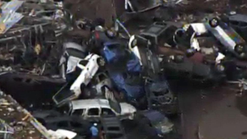 CHOQUE EN CADENA EN MOORE, OKLAHOMA. En una imagen proporcionada por la KFOR-TV (AP).