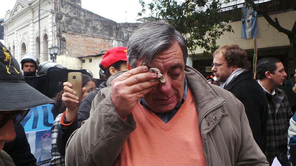 SIN ACCESO. La Policía tucumana impidió el ingreso de Alberto Lemmos al acto de Cristina (DyN).