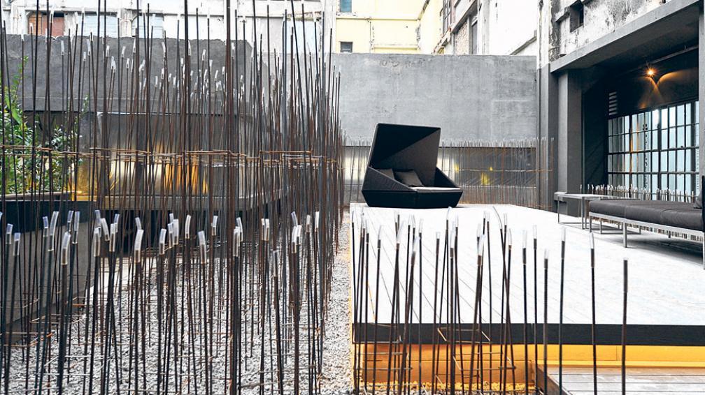 Espacio Molina Ciudad. Con un sector interior de exhibición y un patio organizado en función a la estimulación de los sentidos. Medalla de Oro al paisajismo al diseñador Alfred Fellinger (Roger Berta).