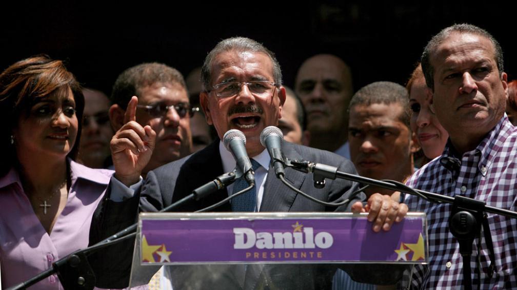 Sin balotaje. Medina propuso un gobierno de unidad a su rival (AP).