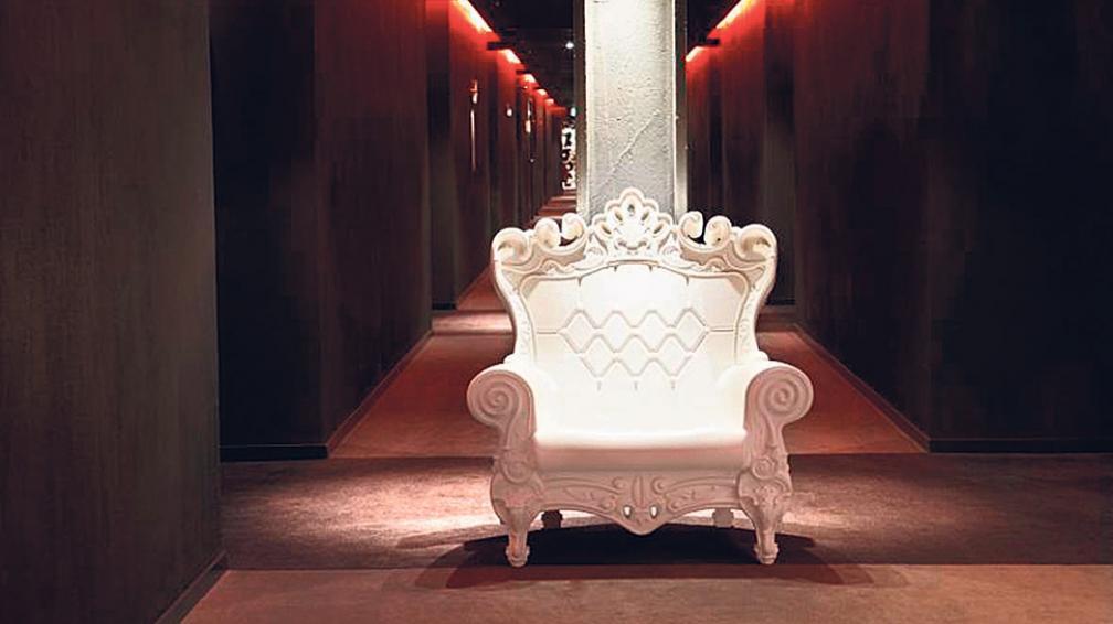La Queen of love, de inspiración barroca, en polietileno. De los diseñadores italianos Graziano Moro y Renato Pigatti.
