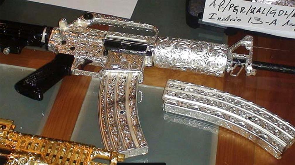 Tenían Armas Bañadas en Oro y