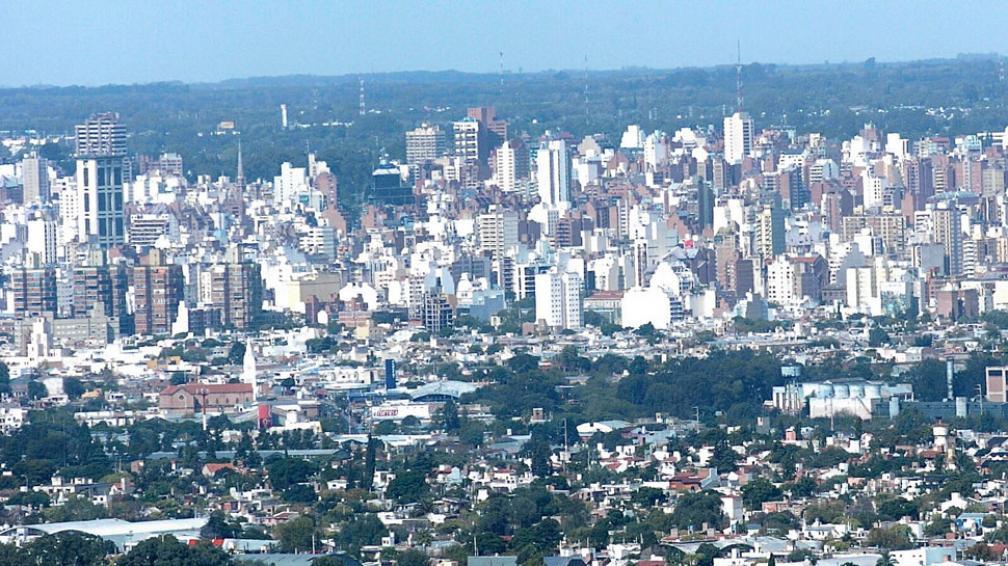 Torres y countries. En los últimos años, muchas de las concertaciones público-privadas se hicieron para la construcción de edificios en altura y barrios cerrados (Sergio Cejas / Archivo).