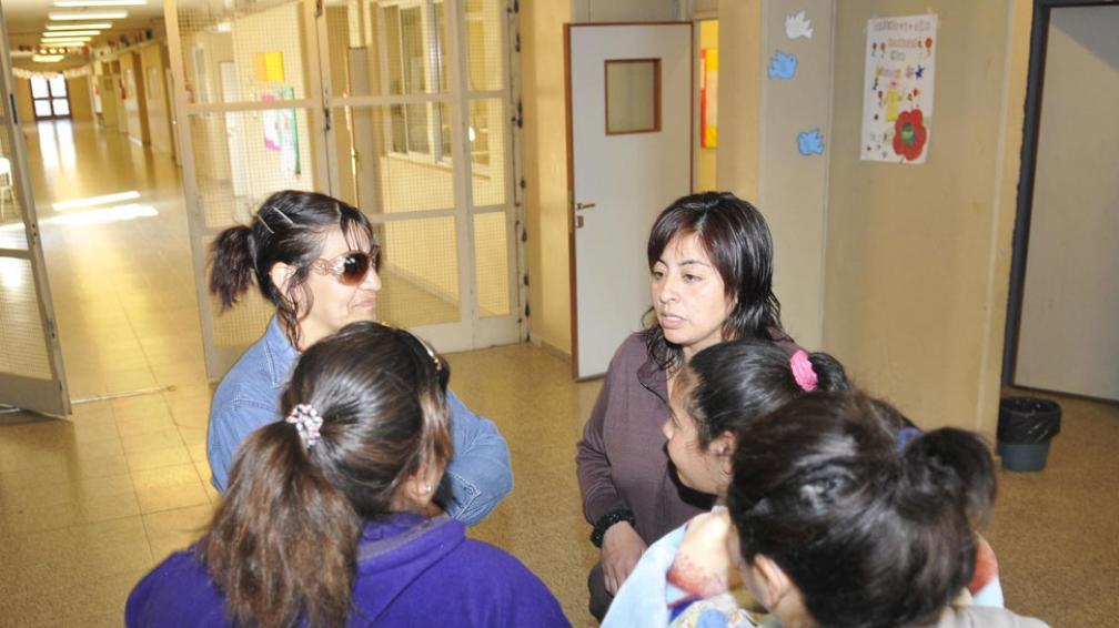 Preocupación. Ayer a la mañana hubo una reunión entre padres y autoridades (La Voz / Pedro Castillo).