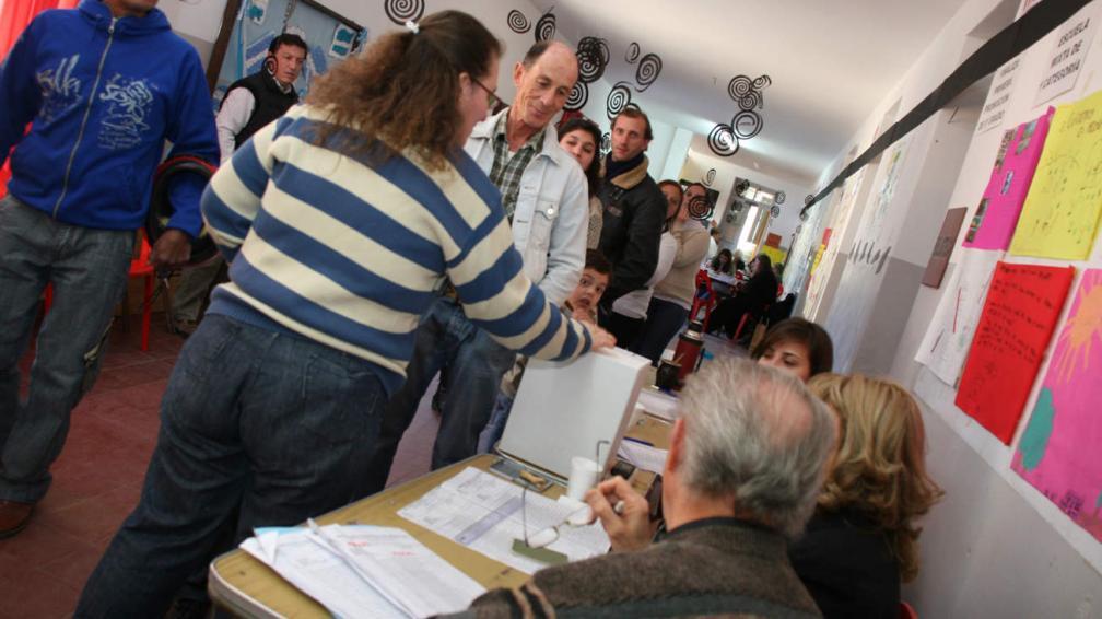 Elecciones 2011 ocho localidades votaron intendente en el for Interior elecciones