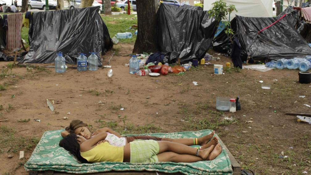 En las ciudades. El proceso inevitable de urbanización excluye a millones de niños y niñas de servicios vitales como la salud (AP/Archivo).