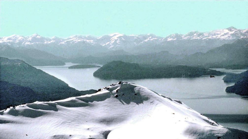 Bariloche una catedral de nieve la voz del interior for Fuera de pista cerro catedral