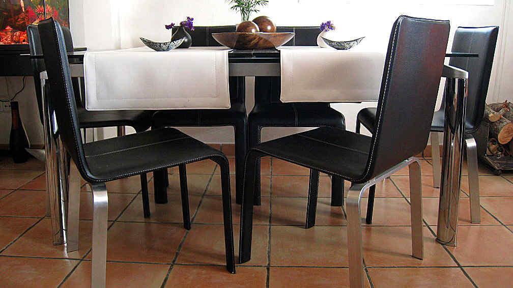 Elegir las sillas del comedor la voz del interior for Sillas para comedor diario