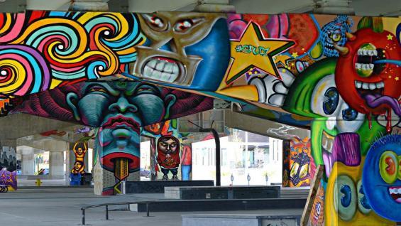 UNDERPASS ART PARKS, en Washington. El plan contempla reacondicionar cuatro pasos a nivel interviniéndolos con instalaciones artísticas. En el año 2014 se lanzó un concurso de diseño para embellecer este espacio. (Grupo Edisur)