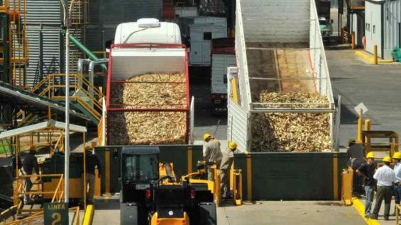 CAPACIDAD. Monsanto ampliará su planta en Rojas, donde acondiciona 3,6 millones de bolsas de semilla de maíz por año.