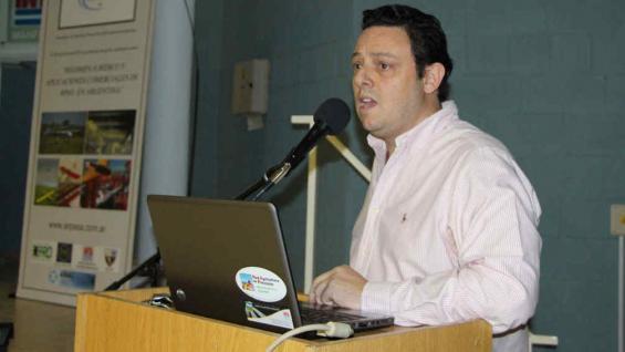 Diego Pérez Roca trabaja con modelos matemáticos en el desarrollo de software para la agricultura (Inta Manfredi).