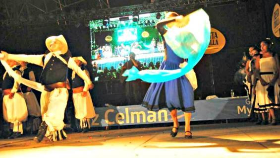CONSAGRADOS. Las seis academias de danzas de Estación Juárez Celman despliegan año tras año un show de excelente calidad (Municipalidad de Estación Juárez Celman).