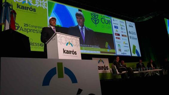 BURYAILE. El ministro de Agroindustria, en el escenario montado por Aapresid (Agrovoz)