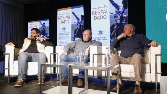 TESTIMONIOS. Los productores Hugo Coffaneli, Richard Reciale y Horacio Valdez, durante su participación en la Jornada (LA VOZ)