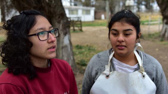 DEBUTANTES. Brisa Pintos y Victoria Rivero, irÁn por primera vez a la Rural. (LA VOZ)