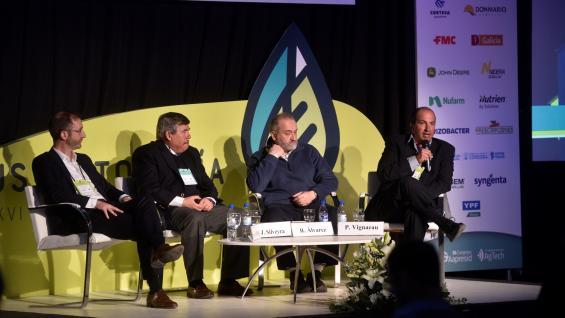REFERENTES. Uno de los plenarios que se llevó a acabo en el congreso de Aapresid estuvo dedicado a analizar el potencial del trigo argentino. (Pedro Castillo)