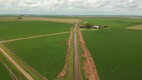 SISTEMATIZACIÓN. Un canal, contruido el último año, muestra los efectos de mitigación de los excesos de agua en la zona. (Gentileza Pablo Bollatti)
