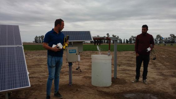 ENERGÉTICO. El Inta Manfredi instalará 250 paneles solares para bombear el agua que necesita uno de los pivotes que utiliza en sus ensayos. (LA VOZ)