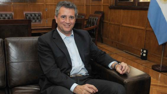 ETCHEVEHERE. La primera foto oficial del flamante ministro (Prensa Agroindustria)