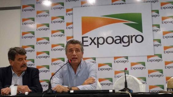 AUTORIDADES. Alberto Padoán, presidente de la Bolsa de Comercio de Rosario; y Luis Etchevehere, ministro de Agroindustria (Agrovoz)