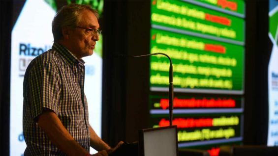 FRASCHINA. El experto del Inta Marcos Juárez aseguró que, si llueve en abril, hay posibilidades de hacer trigo (Nicolás Bravo)