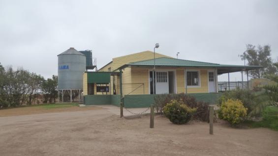 76 AÑOS: Desde 1942, el establecimiento produce leche de manera ininterrumpida en Oliva. (LA VOZ)