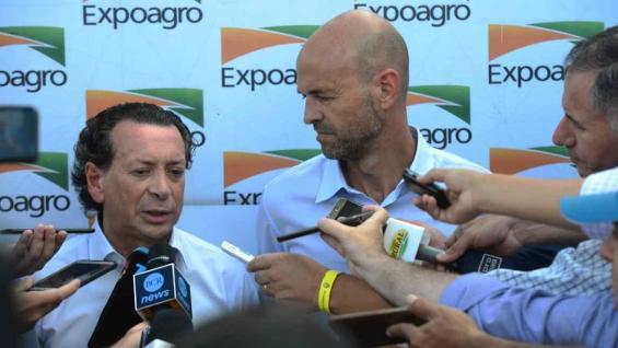 MINISTROS. Dante Sica y Guillermo Dietrich presentaron los detalles de la línea de financiamiento del Bice. (Nicolás Bravo/LA VOZ)