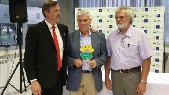 JUAN CARLOS VACA. El director de Agroverdad fue otro de los galardonados por la FCA-UNC.