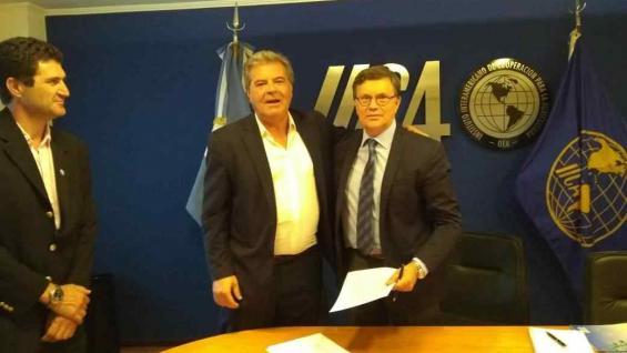 VINCULACIÓN. El ministro Sergio Busso y el director del Iica, Manuel Otero. (PRENSA IICA)