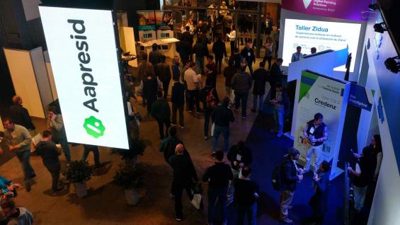CONVOCATORIA. Miles de productores volvieron a repletar los salones del salón metropolitano de Rosario. (LA VOZ)
