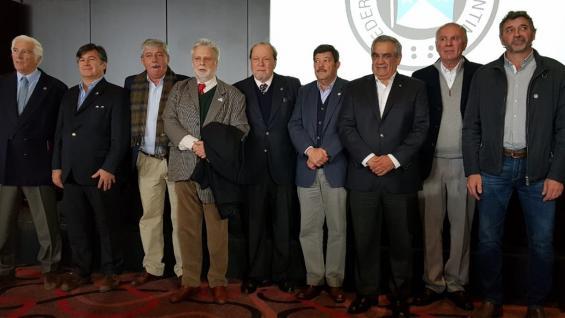PRESIDENTES. Los que estaban al frente de las cuatro entidades en 2008 y los actuales, juntos en Palermo. (Prensa Sociedad Rural)