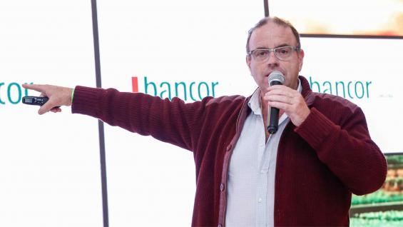 GARBANZO. Adrián Poletti, el especialista en la legumbre que disertó en la Agrojornada. (LA VOZ)