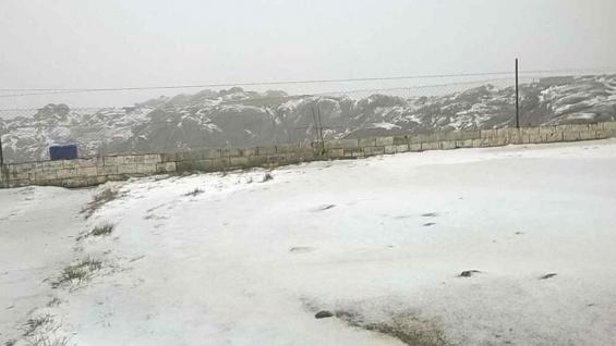 Se cerró el camino de las Altas Cumbres por nieve en la calzada. Foto de Juan Negretti.