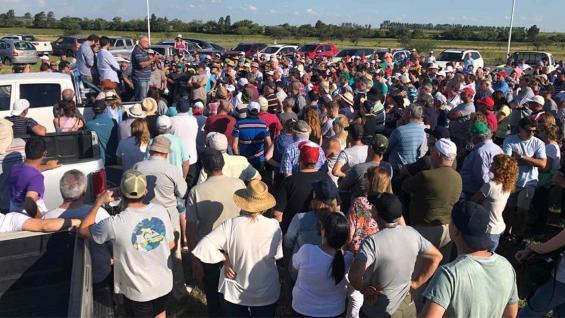 MOVILIZACIÓN. La protesta más convocante del domingo se realizó en Armstrong, Santa Fe, uno de los lugares emblemáticos del conflicto en 2008.