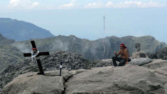 En los días soleados, desde la cima se puede apreciar la extensión del valle de Calamuchita, del lado este. (Fotografía: Juan Carlos Simo)