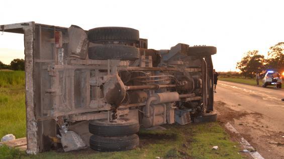 LABOULAYE. Otra vez la ruta 7 fue escenario de un choque fatal (Laboulaye.info).