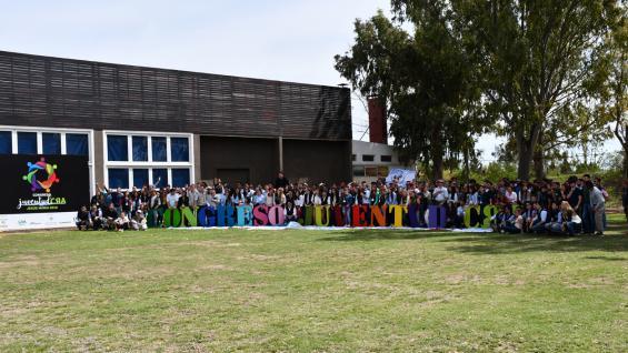 NUEVA GENERACIÓN. Altísima convocatoria logró el Congreso Juventud CRA, realizado el fin de semana pasado en la Sociedad Rural de Jesús María. (Gentileza Inés Pagnutti)