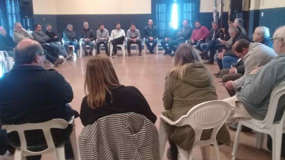 ASAMBLEA. En Oncativo se reunieron representantes de filiales de base de Córdoba y de Santa Fe.